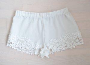 Zara Shorts M 38 Stickerei Boho Weiß Creme Blumen Spitze Blogger
