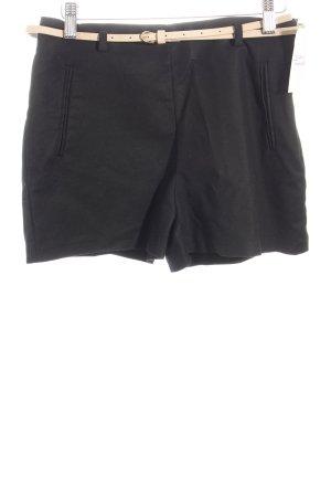 Zara Shorts schwarz Street-Fashion-Look