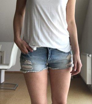 Zara Shorts verwaschen mit Löchern