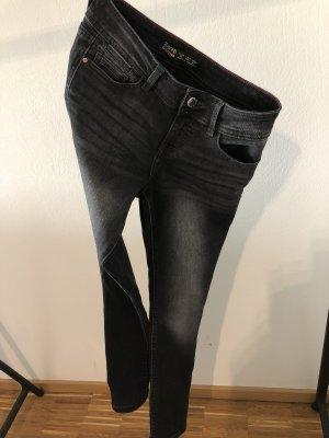 Zara skinnny Jeans gr. 34 schwarz