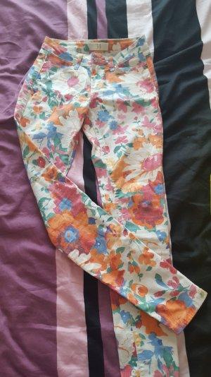 Zara Skinny Jeans Gr. 34 fast neu