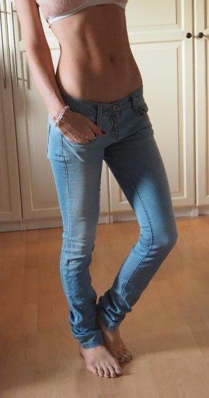 zara skinny jeans hellblau