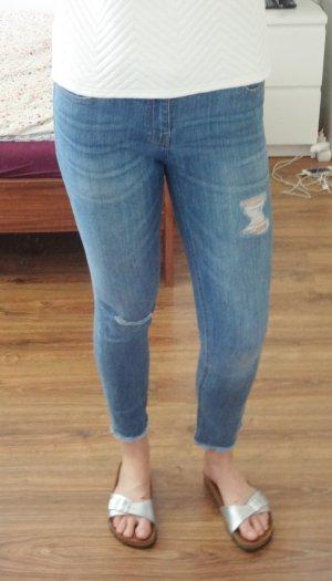 Zara Skinny Jeans Löcher Destroyed Fransig Ankle Kurz