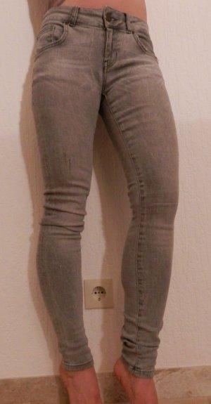 Zara Skinny Röhre Jeans Fashion Blogger Slim Fit Röhrenjeans Low Waist Moss