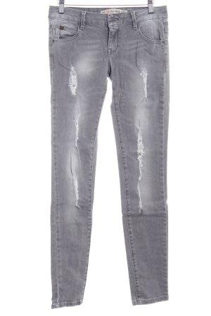 Zara Vaquero slim gris look de segunda mano