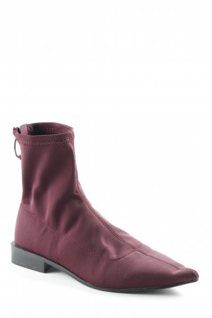 Zara Slouch Boots blackberry-red street-fashion look
