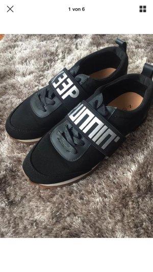 Zara Sneaker Gr. 37 wie Neu