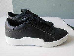 Zara Sneaker Kunstleder mit breiter Sohle Gr. 37