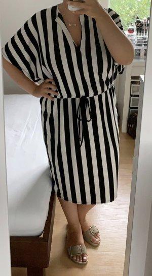 Zara Sommer Kleid gestreift