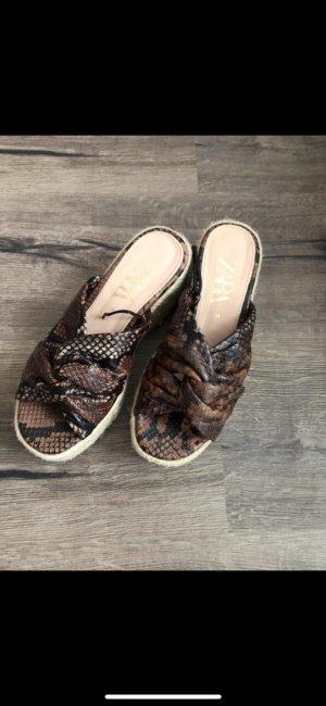 Zara Sommer Sandalen Schlange Muster