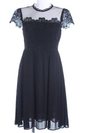 Zara Kanten jurk zwart bloemen patroon casual uitstraling