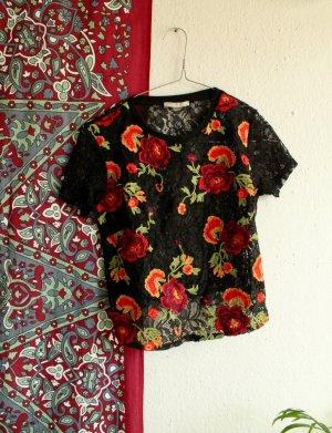 Zara Spitzenshirt / Tshirt mit Stickereien / Blumen Shirt