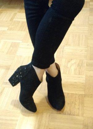 Zara Stiefelette Gr. 38 schwarz ankle boots strass nieten booties blogger