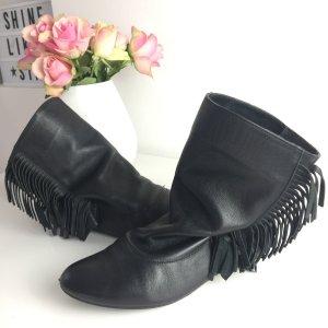 Zara Stiefeletten Gr. 37 schwarz Fransen boho Hippie Leder
