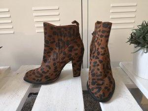 Zara Stifeleletten Boots Wildleder Leopard Gr. 38