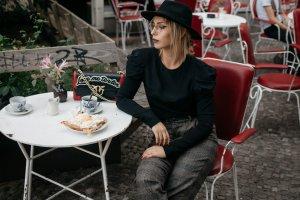 Zara Stoffhose hellbraun-dunkelbraun Karomuster klassischer Stil