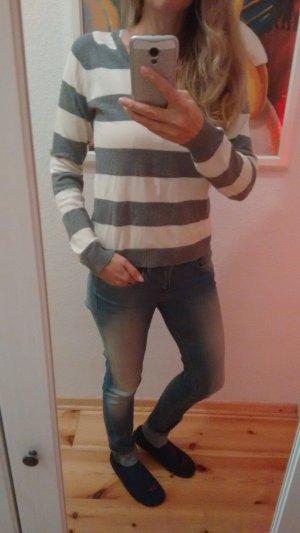 Zara Streifen Pullover