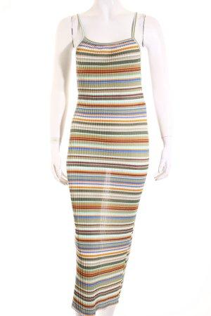 Zara Stretchkleid Streifenmuster Street-Fashion-Look
