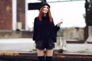 Zara Strick-Crop-Pullover schwarz