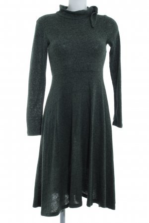Zara Vestido tejido gris verdoso moteado look casual