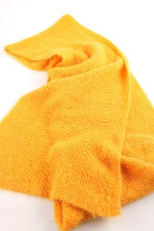 Zara Bufanda de punto naranja claro look casual