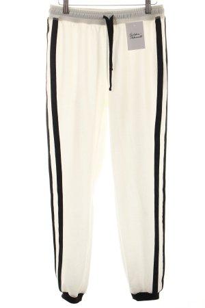 Zara Sweathose weiß-schwarz Street-Fashion-Look