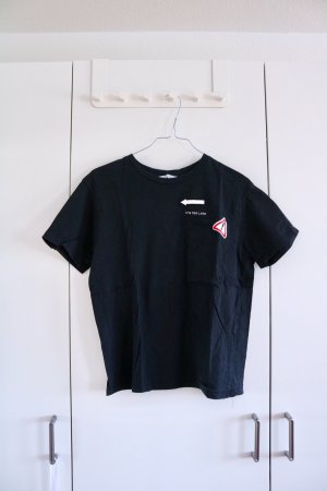 ZARA T-Shirt in Schwarz mit Patches