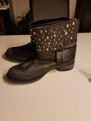 ZARA Trafaluc Boots in Vintage