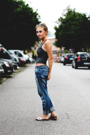 Zara Trafaluc Boyfriendjeans blau-hellbeige Boyfriend-Look