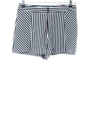 Zara Trafaluc High-Waist-Shorts weiß-schwarz Streifenmuster Casual-Look