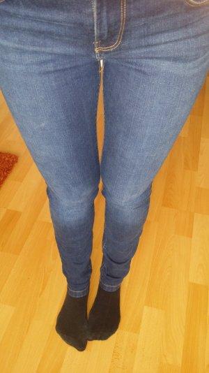 zara trafaluc jeans......