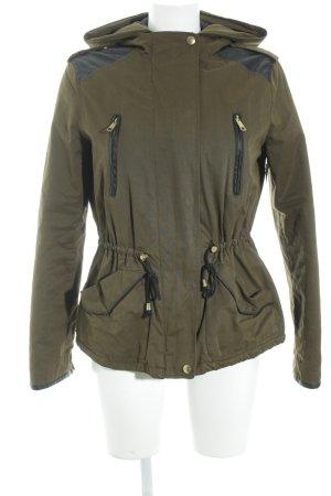 Zara Trafaluc Kapuzenjacke schwarz-olivgrün Military-Look