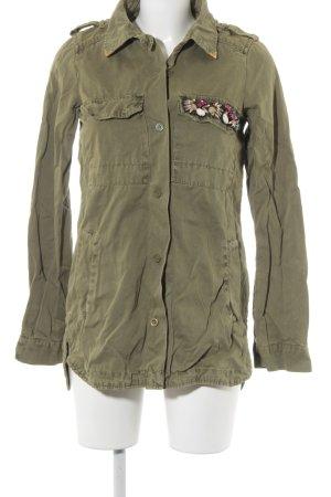Zara Trafaluc Outdoorjacke grüngrau-khaki Street-Fashion-Look