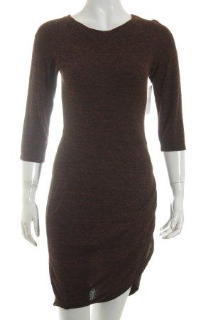 Zara Trafaluc Vestido tipo jersey burdeos moteado look casual