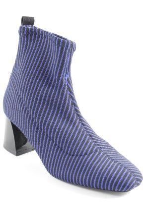 Zara Trafaluc Botas deslizantes negro-azul estampado a rayas estilo  extravagante 713eeca62bb