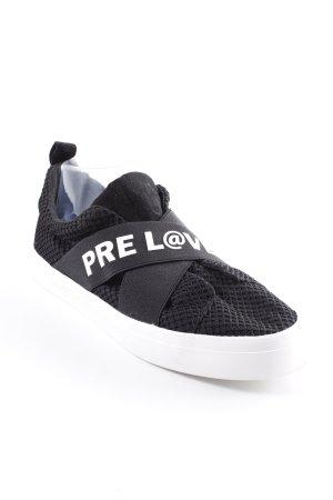 Zara Trafaluc Schlüpfsneaker schwarz-weiß Schriftzug gedruckt Skater-Look