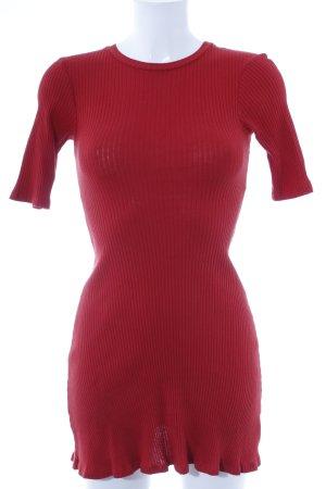 Zara Trafaluc Vestido peplum rojo look casual