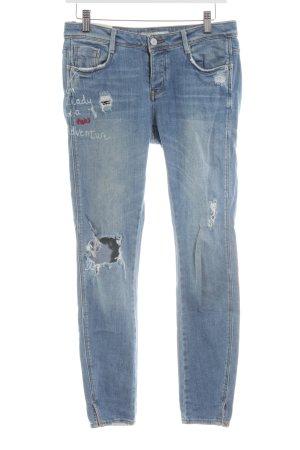 Zara Trafaluc Slim Jeans blau Schriftzug gedruckt Casual-Look