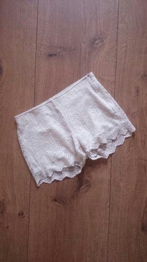 ZARA Trafaluc Spitzen Lace Häkel Crochet Hot Pants Shorts creme nude 36 S