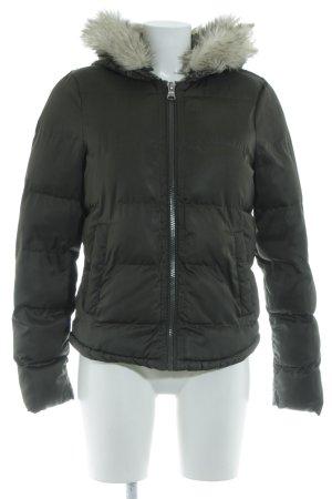 Zara Trafaluc Winterjacke khaki Steppmuster Casual-Look