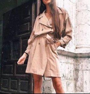 Zara Robe courte beige