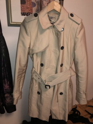 Zara Trenchcoat room-beige
