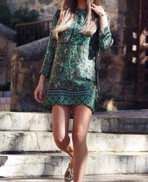 Zara Tunika Kleid mit Print und Fransen | grün | Gr. L