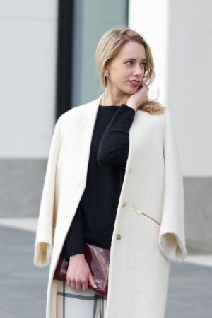 Zara Übergangsmantel wollweiß Business-Look