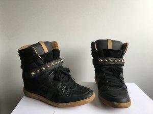 Zara Wedge Sneaker mit Nieten