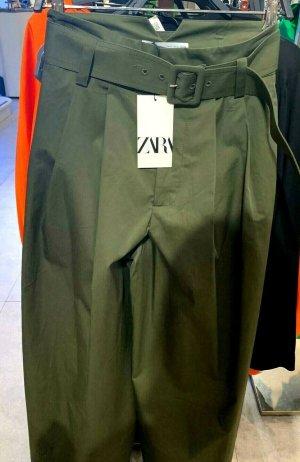 Zara weite Hose grün mit Gürtel Gr. M neu