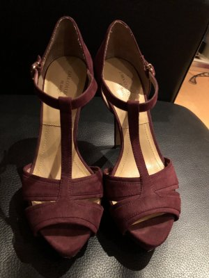 ZARA Wildleder Heels in Burgundy
