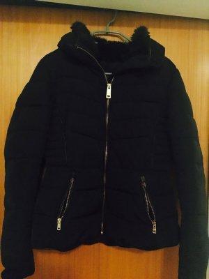 Zara Winter Jacke mit Kapuze