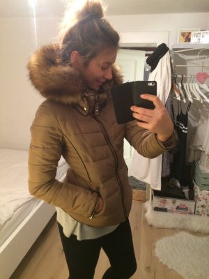 Zara winterjacke in beige fake fur