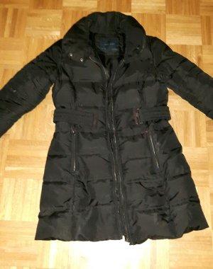 Zara Winterjacke in schwarz